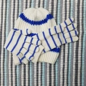 Gap brand white and blue matching had and gloves